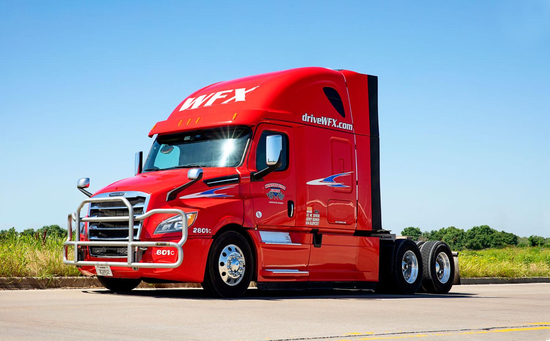 2019-tractor-freightliner.jpg