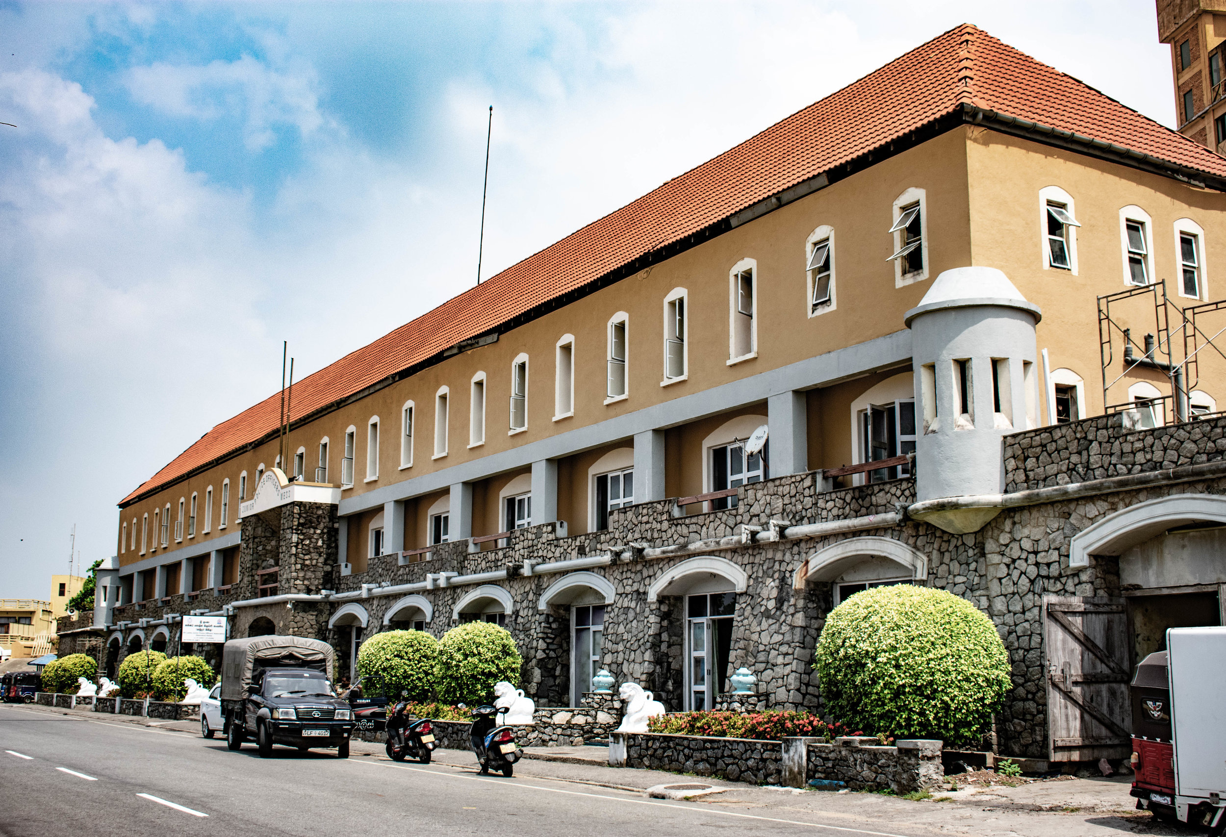 3_colombo_colonial_building_2.jpg