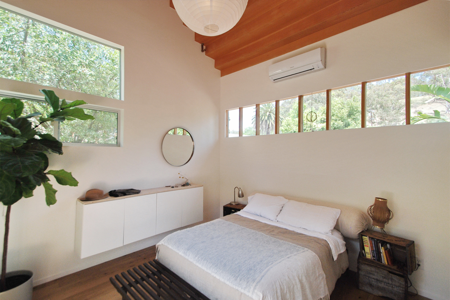 COTTAGE_bedroom-1.jpg