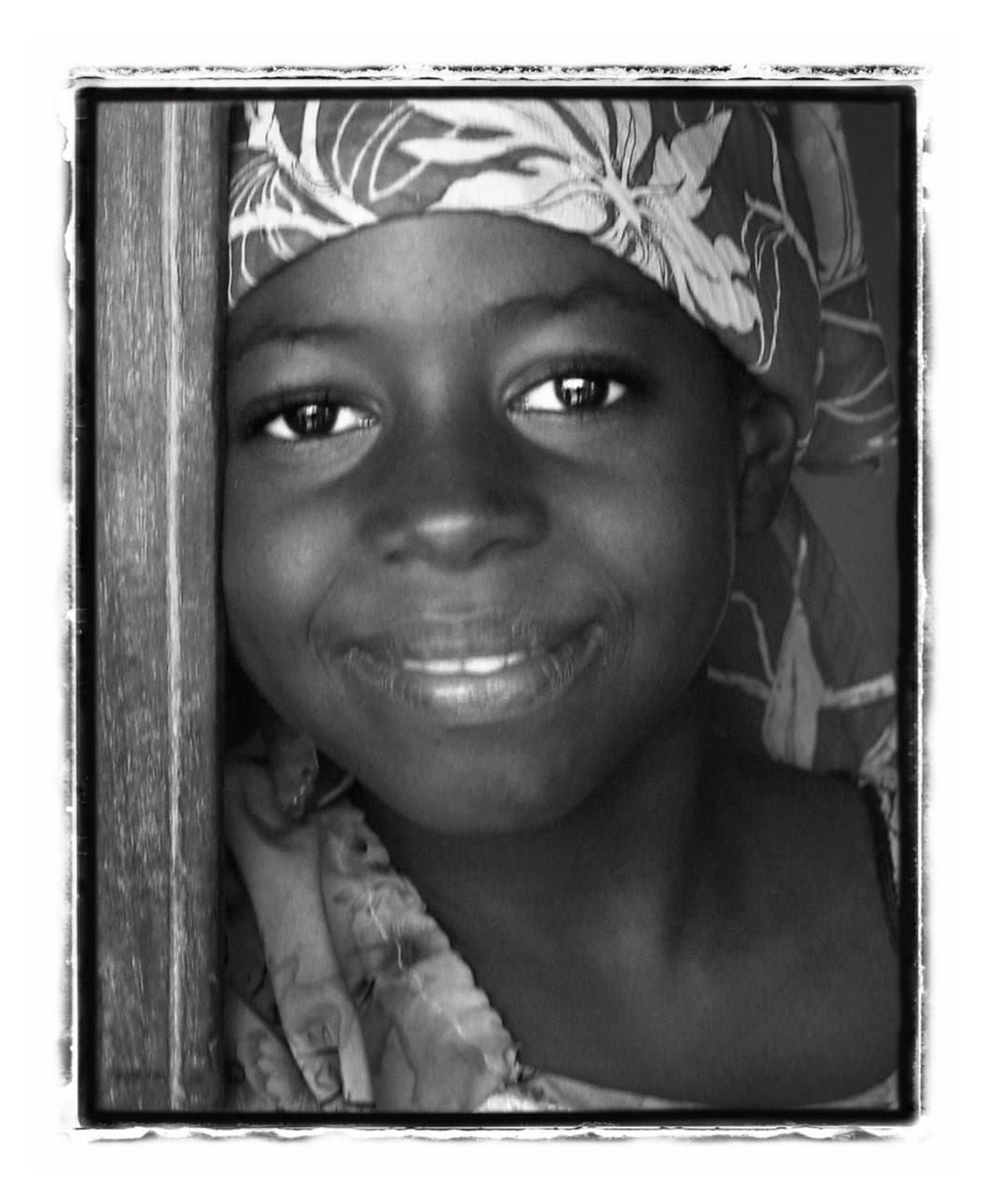 girl at door 0586(1).jpg
