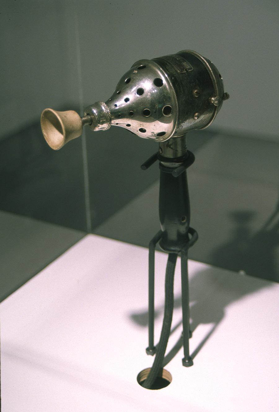 Detail, White Cross antique vibrator, 1913