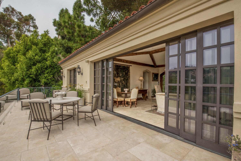 15-retractable-doors-traditional-patio-balcony-outdoor-living-gary-drake-general-contractor.jpg