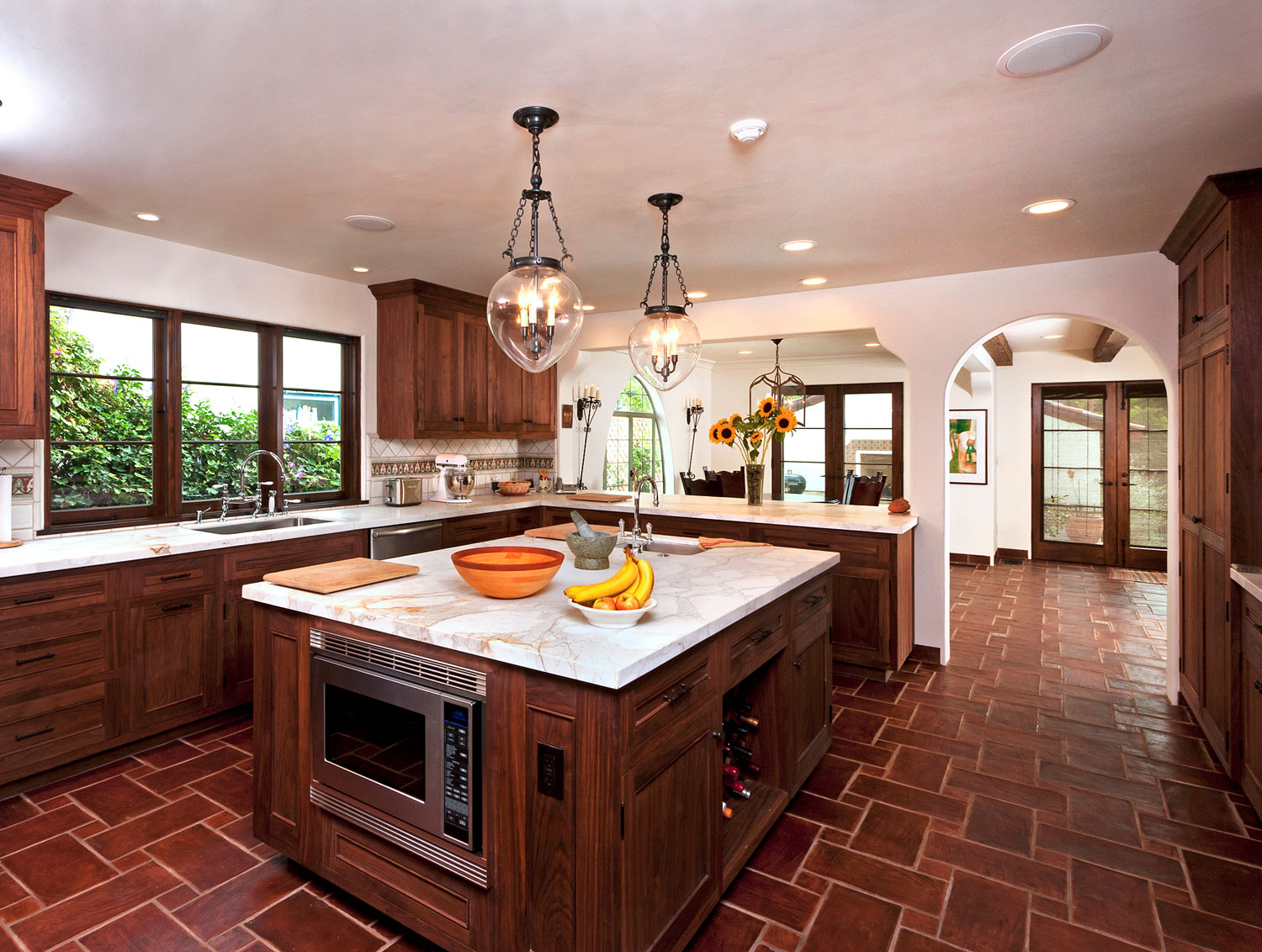 06-Contemporary-Spanish-Kitchen-Warm-Wood-Marble-Countertops-Island-Gary-drake-General-Contractor.jpg