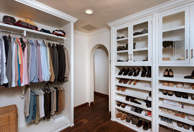 16-master-bedroom-walk-in-closet-built-in-shelves-gary-drake-general-contractor.jpg
