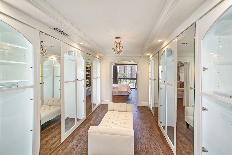 13-walk-in-closet-glass-doors-gary-drake-general-contractor.jpg