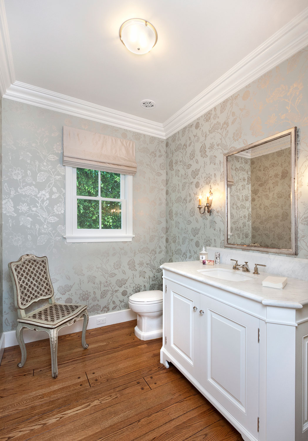 04-traditional-powder-room-marble-top-vanity-gary-drake-general-contractor.jpg