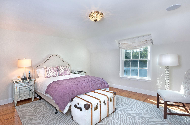10-bedroom-hardwood-floor-gary-drake-general-contractor.jpg