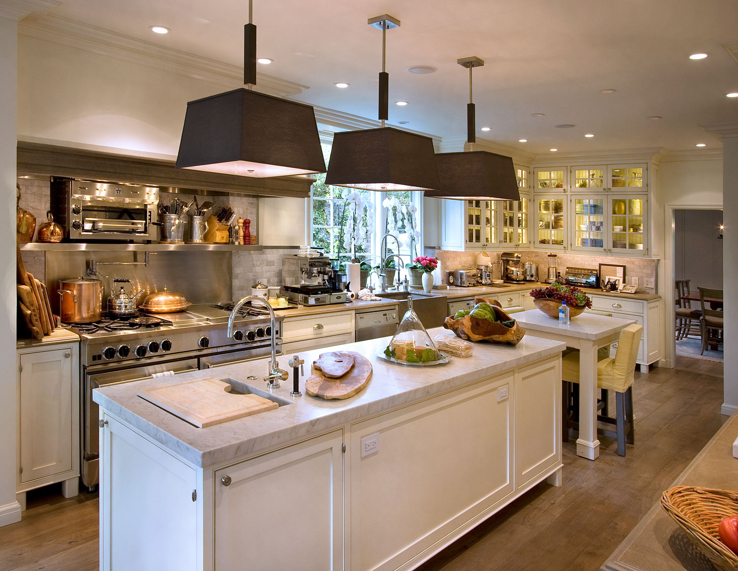 05-traditional-kitchen-marble-counters-stainless-steel-appliances-gary-drake-general-contractor.jpg