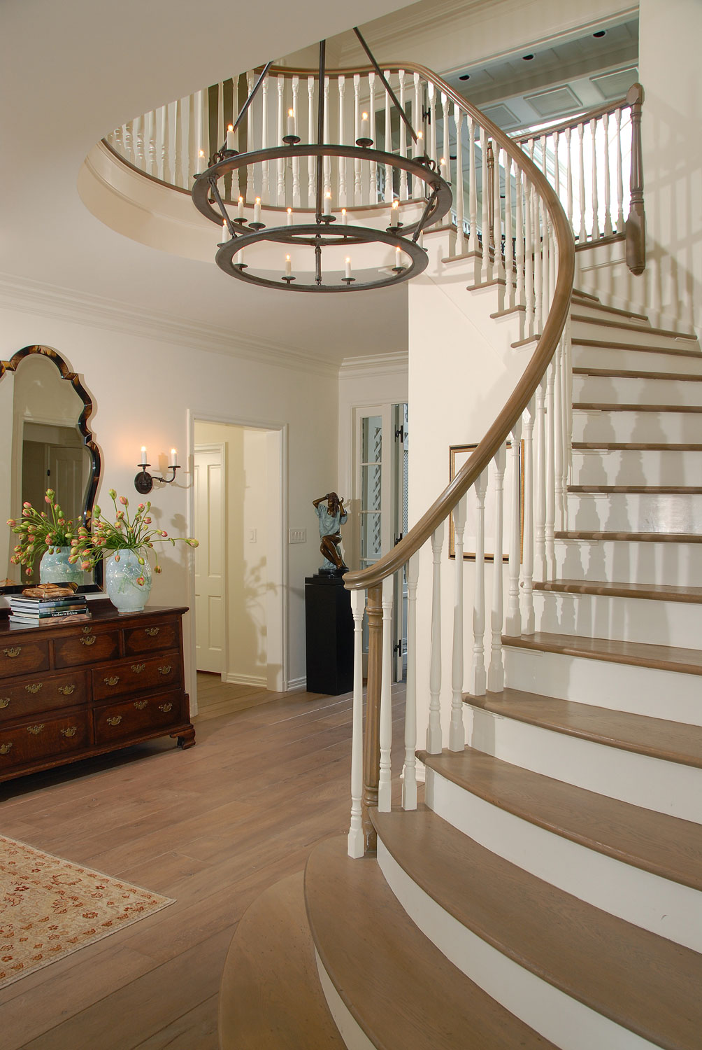 05-Z-traditional-staircase-curved-bannister-gary-drake-general-contractor.jpg