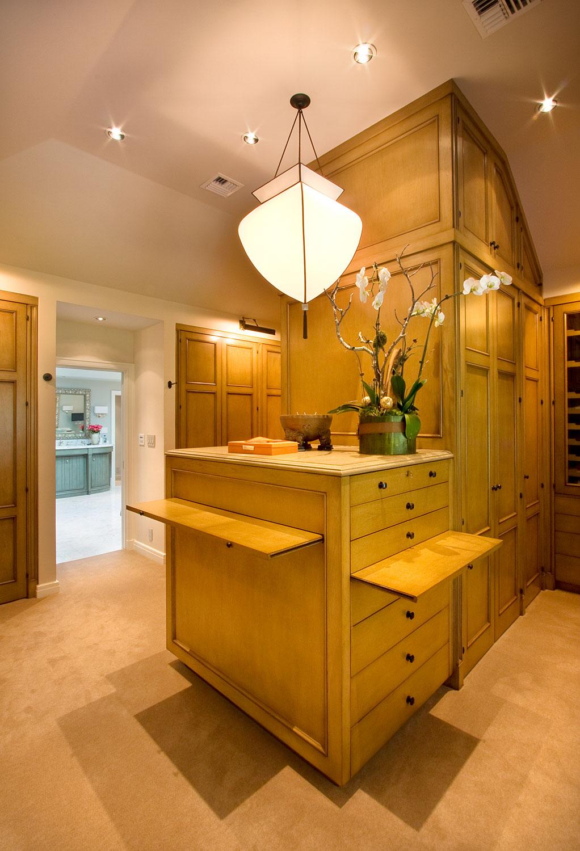 08-B-master-bedroom-walk-in-closet-gary-drake-general-contractor.jpg