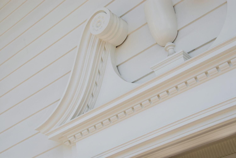 10-front-door-moulding-detail-gary-drake-general-contractor.jpg