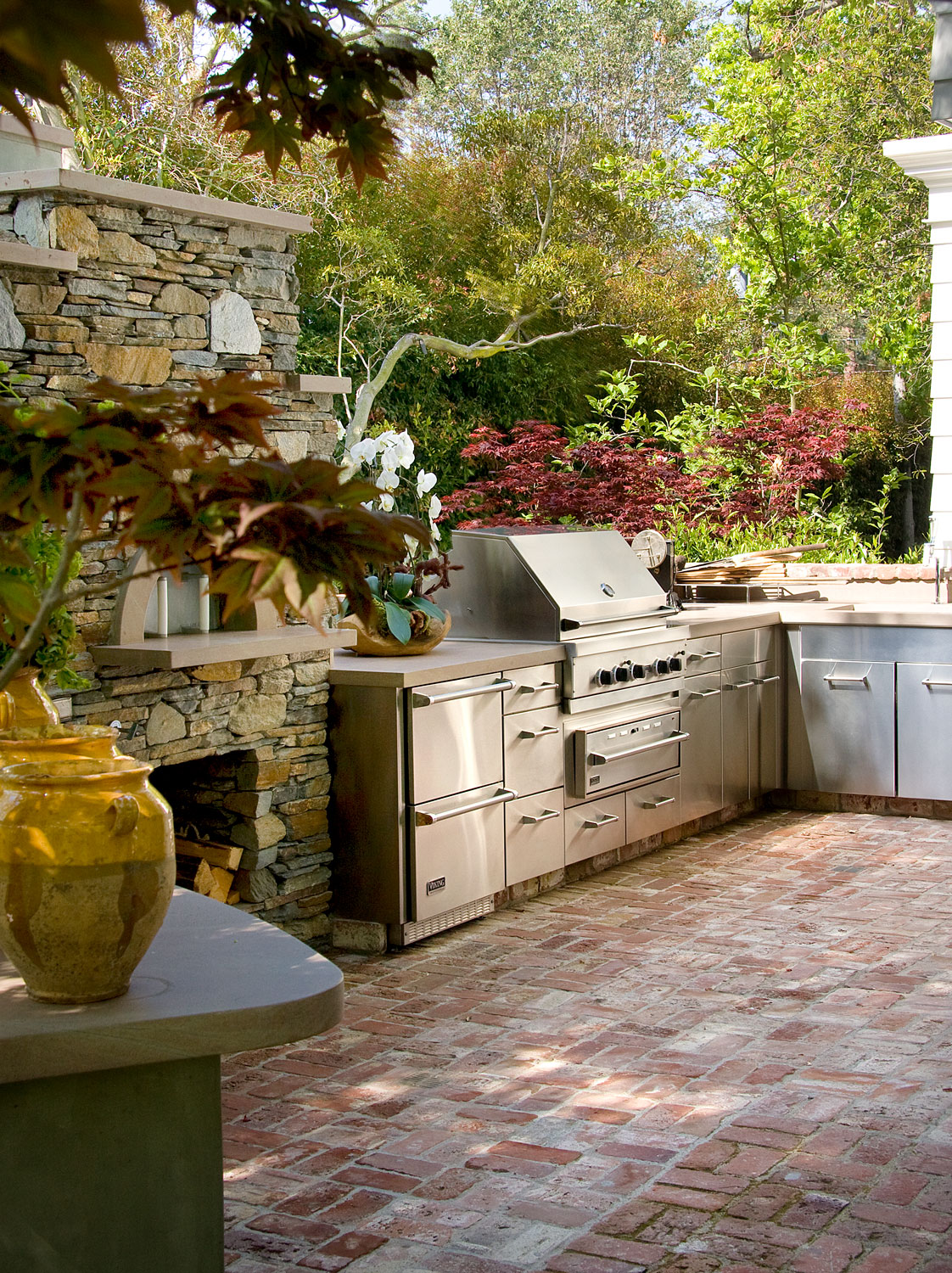 14-outdoor-bbq-fireplace-gary-drake-general-contractor.jpg