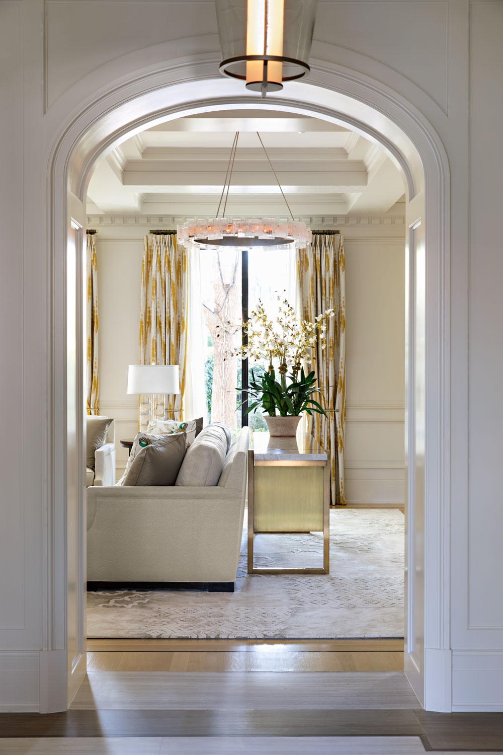 06-arched-doorway-coffered-ceiling-gary-drake-general-contractor.jpg