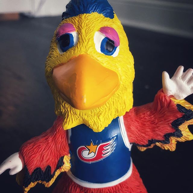 This should put you in a good mood. #sundayfunday #mlb #chicken #sandiego #sandiegochicken #bobblehead