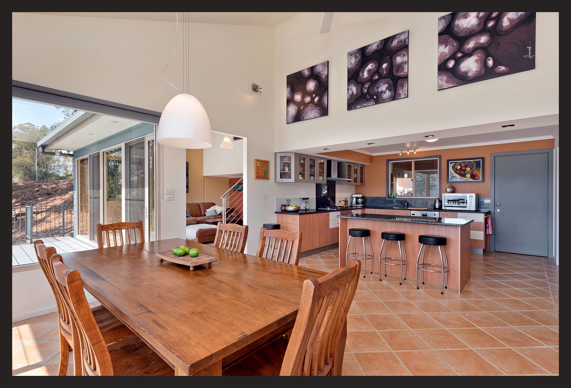 Dining Kitchen_44-Cooroy-Cres.jpg