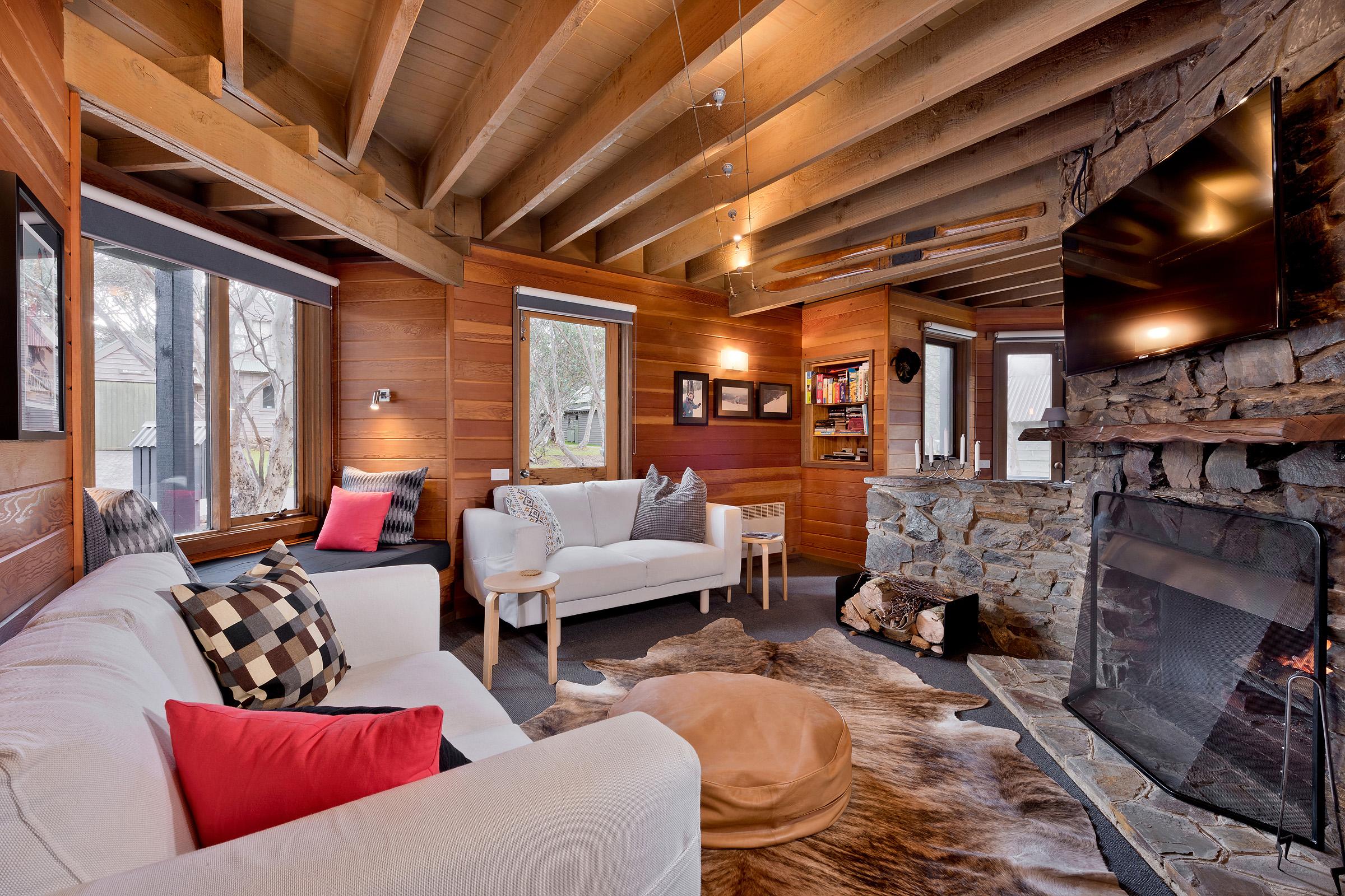 Montane Lounge 1.jpg