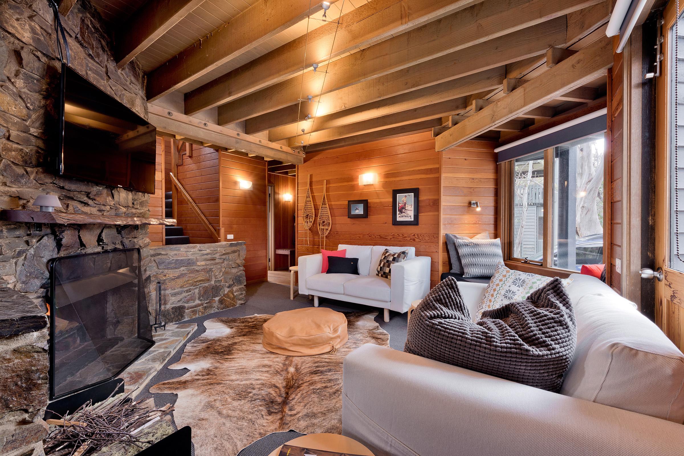 Montane Lounge 2.jpg
