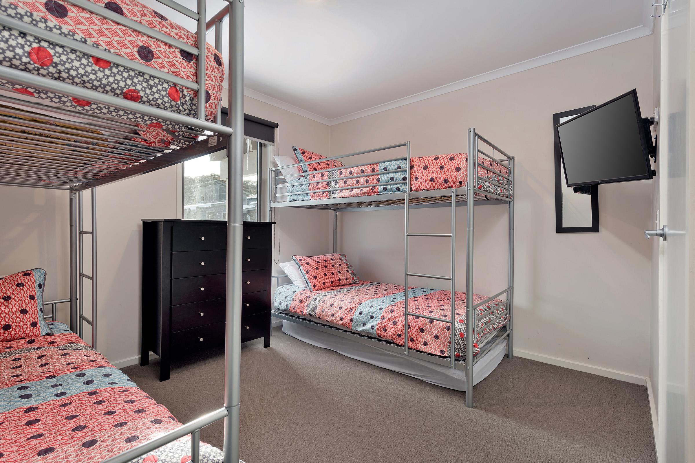 Snowview Bed 3.jpg