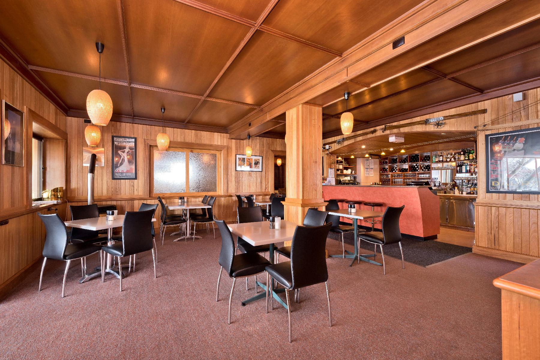 Dining Room 1-3.jpg
