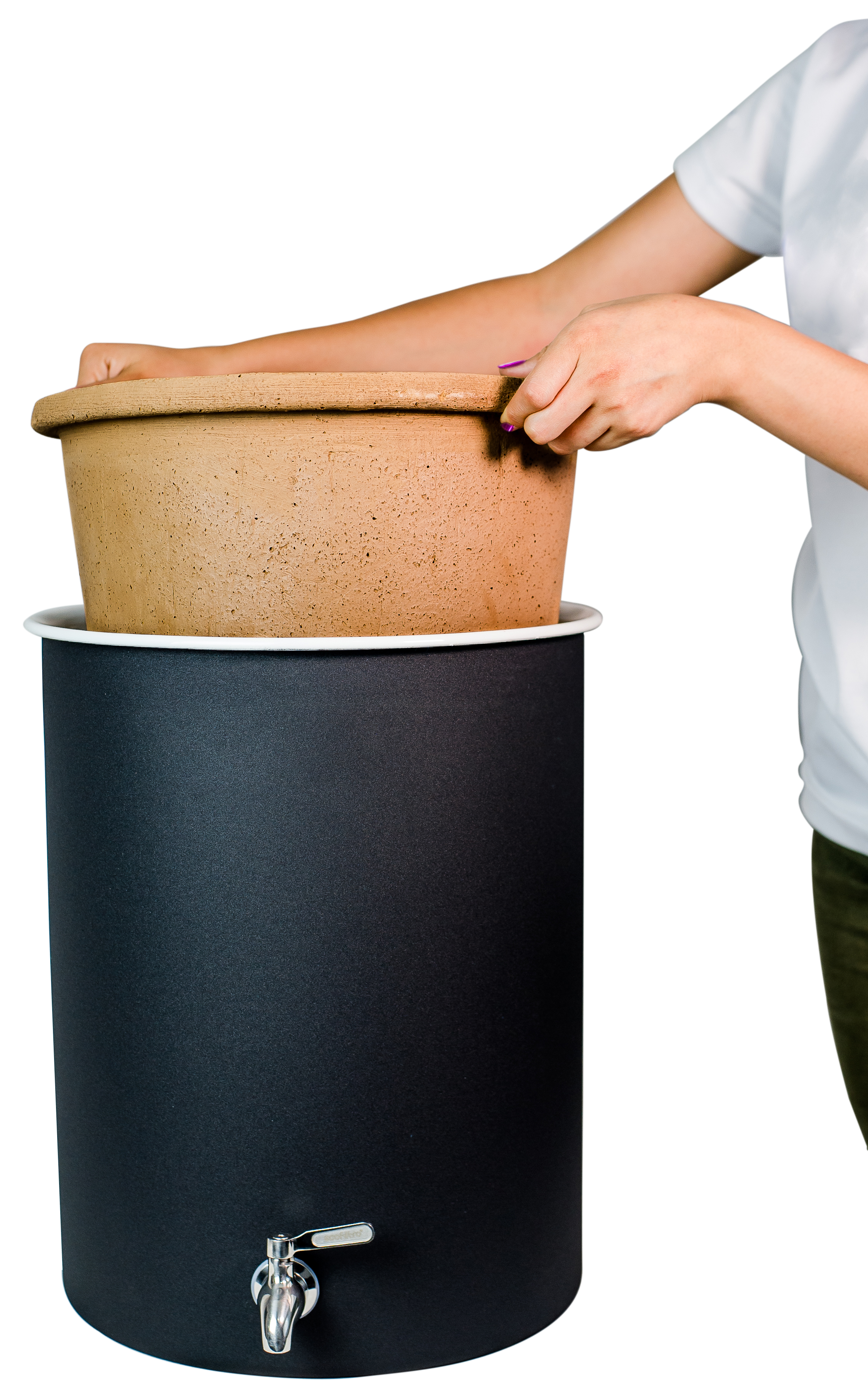 Step 1 - Carefully place the filter unit inside the Ecofilter. It is very important to hold it only by the edges.