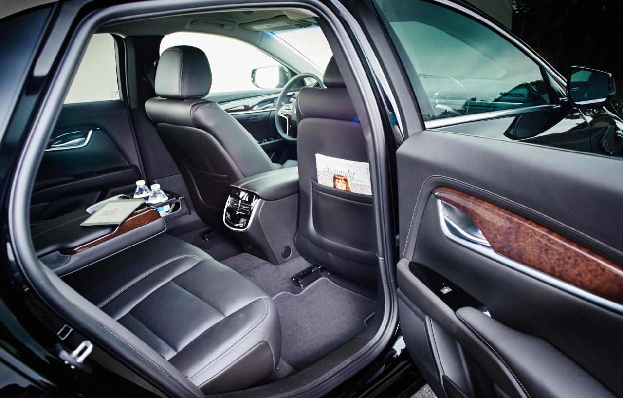 Cadillac XTS Int.jpg