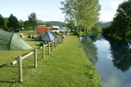 cotswold-camping-featured.jpg