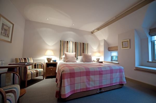 Dormy House Cotswolds - bedroom