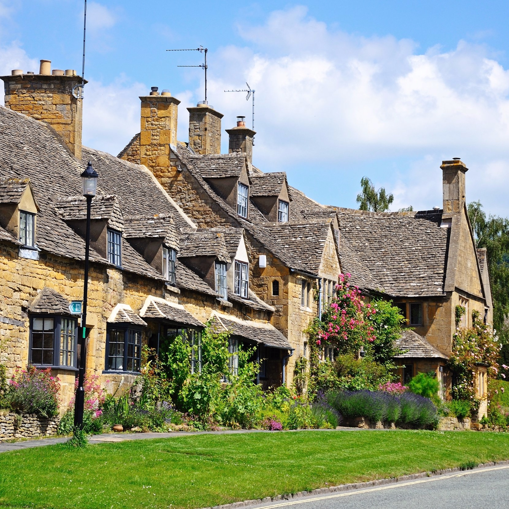 Luxury Walks & Tours In TheCotswolds -