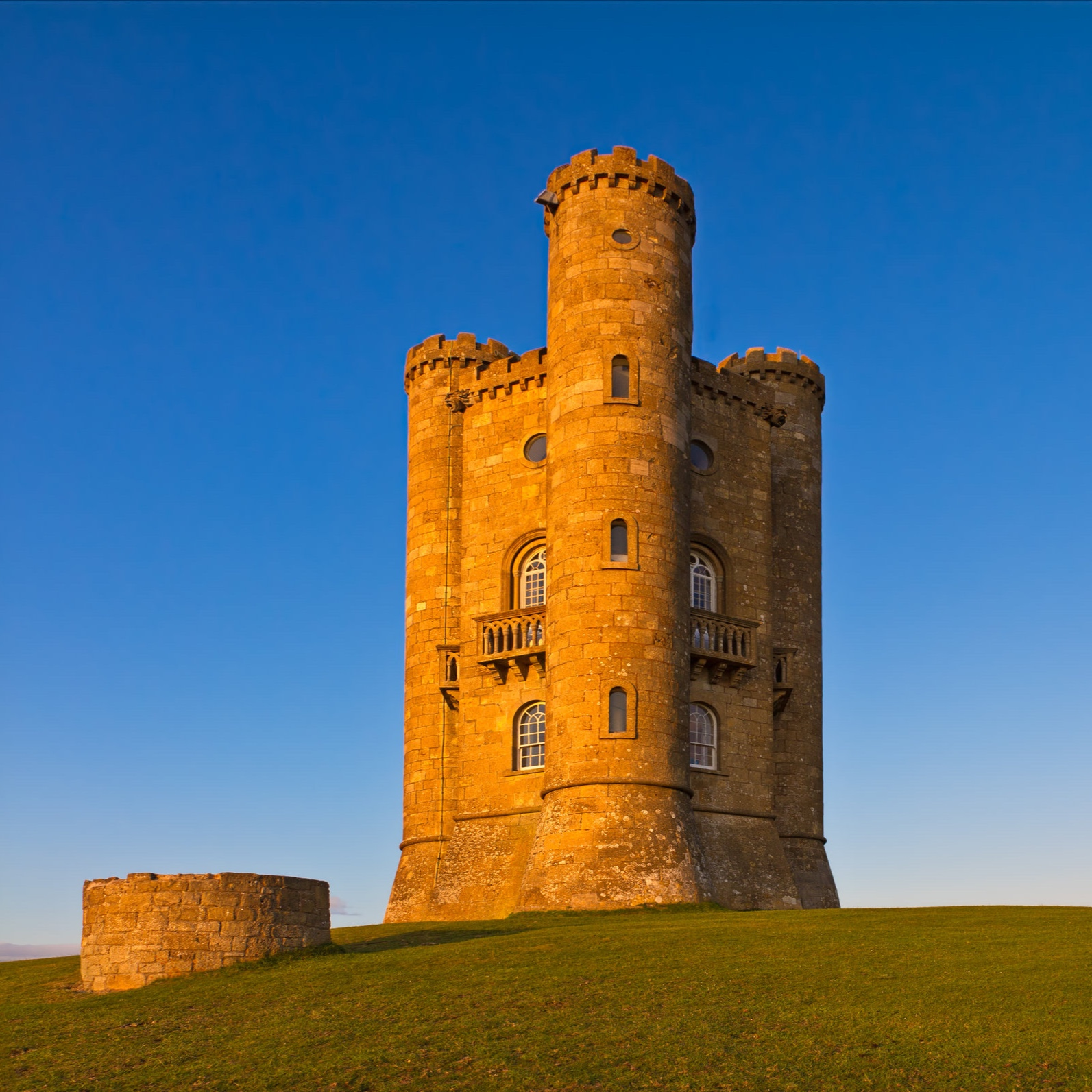 The Best Of The Cotswolds Walking Tour - Walk up Broadway Tower for fine views before descending into Chipping Campden…
