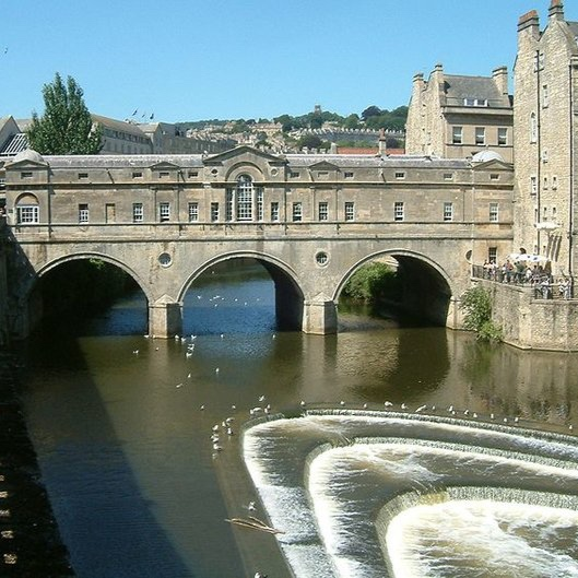 Central Bath & The Cotswolds Walking Tour - Bath, with its classical Georgian architecture, is recognised as one of the most beautiful cities…