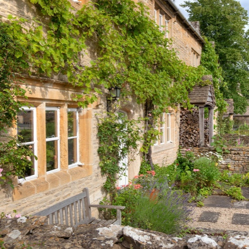 Cotswolds Interlude: A Short Break Walk - From Moreton, pass through pretty Longborough with its pub & strong connections with the Opera…