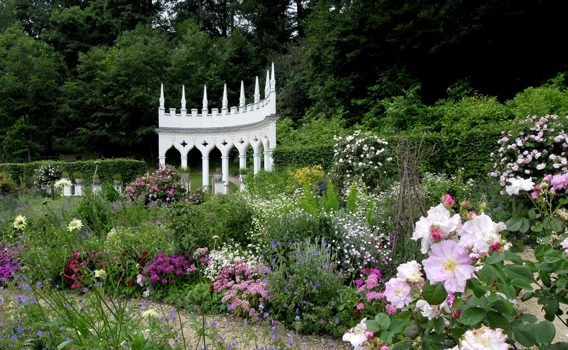 roccoco gardens.jpg
