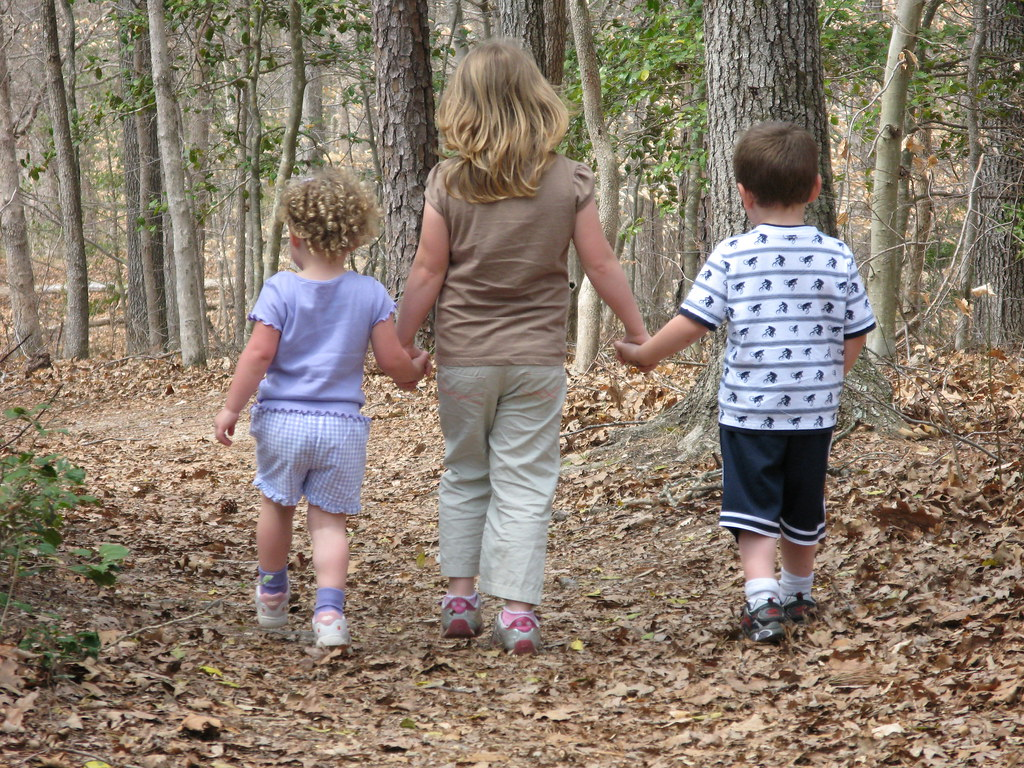 children walkis 1.jpg
