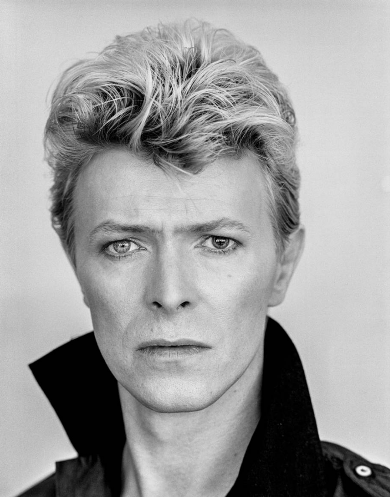 Bowie collar.png