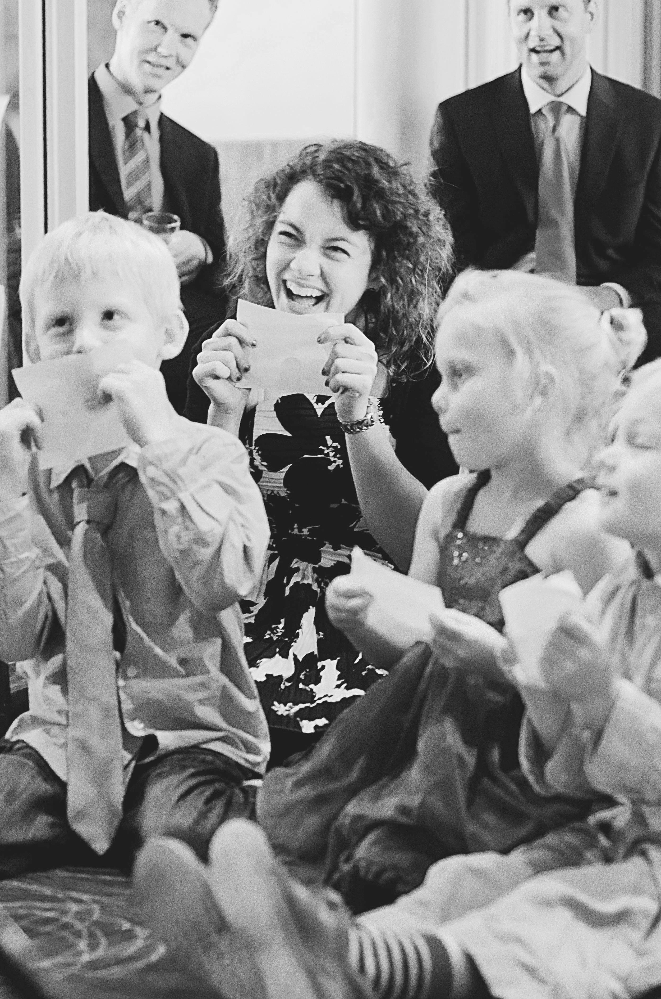 Grinende børn til fødselsdag. Sanggave til børn, teenagere og voksne.