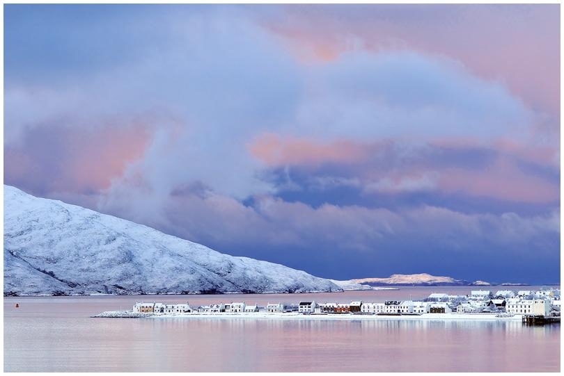 u113 Ullapool dawn pastels.jpg