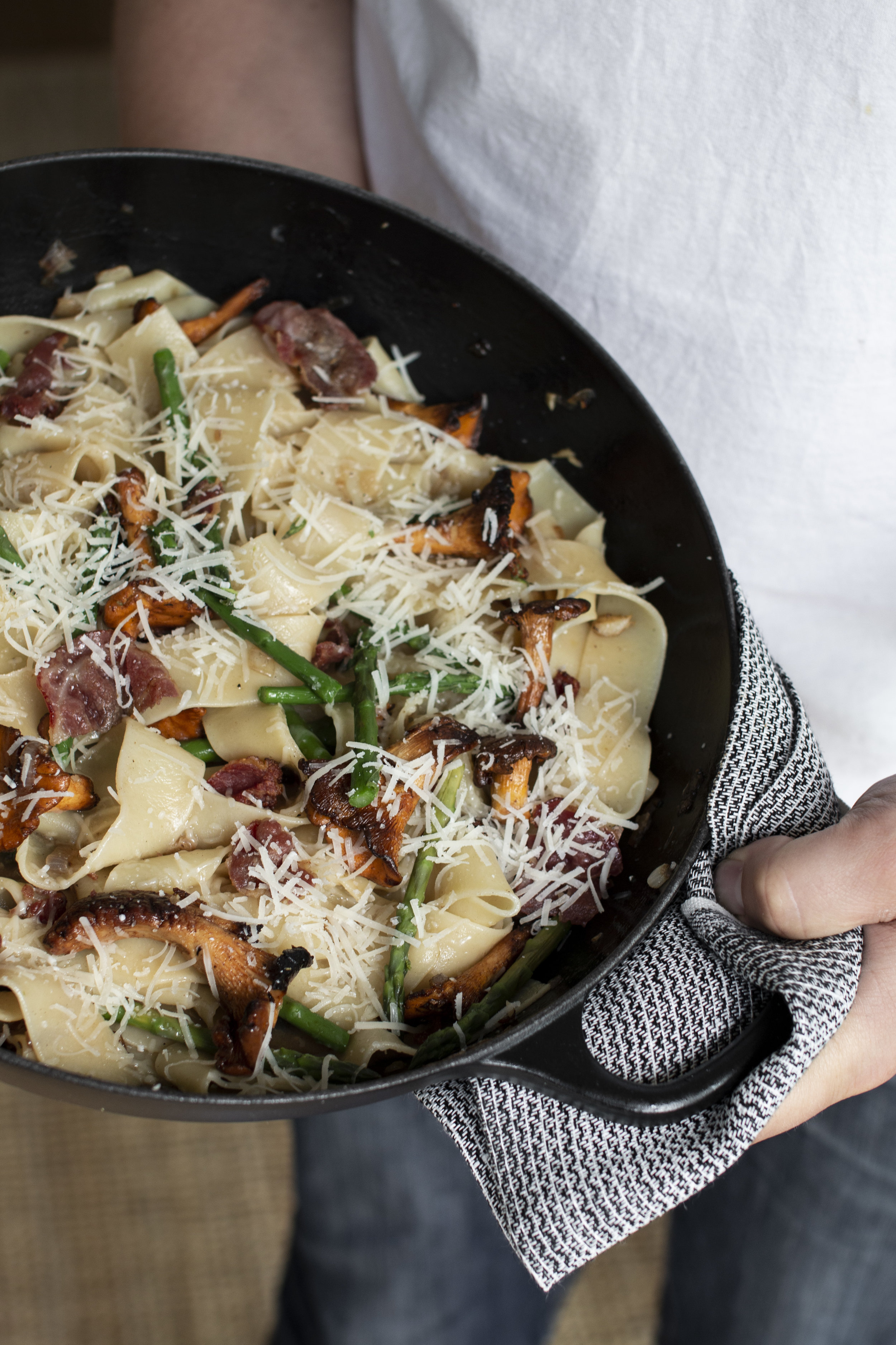 pasta med bacon, asparges og kantarell.jpg