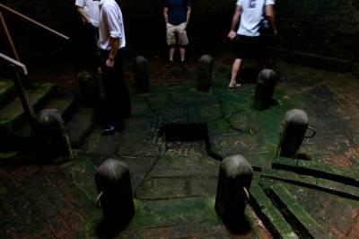 b2ap3_thumbnail_Cess-Pit-in-the-Gaol.jpg