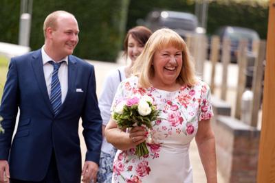 Wedding-Photographer-baraset-barn05.jpg