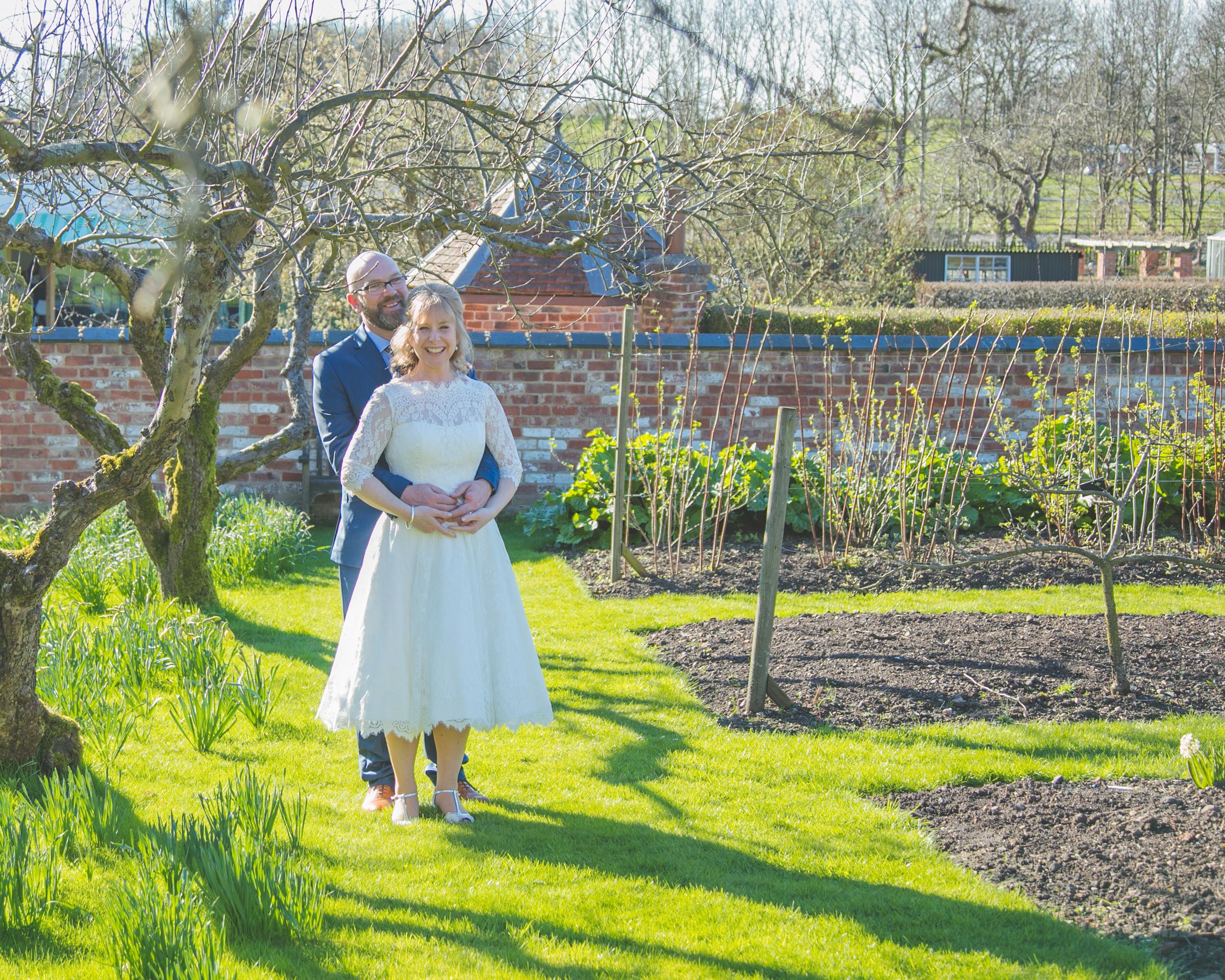 wedding-photography-at-Hill-Close-Gardens-Warwick75.jpg