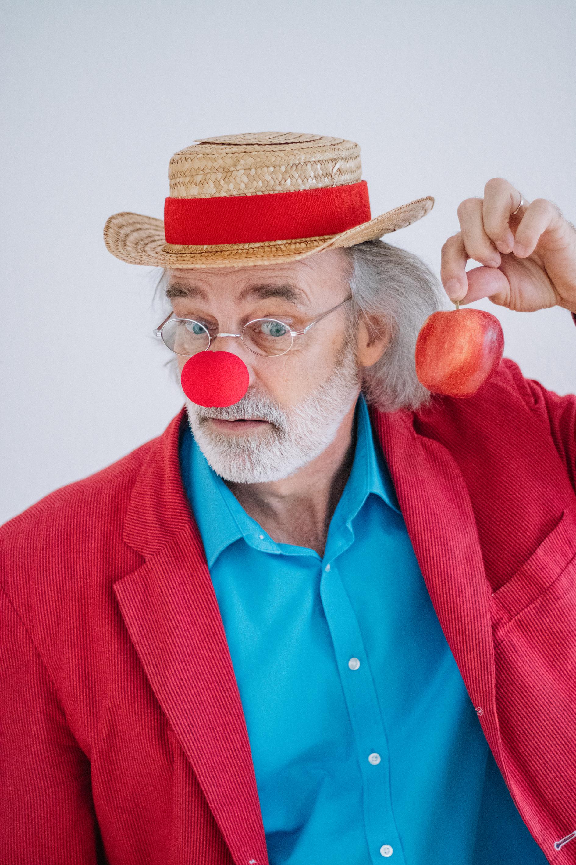 clownerie 3 - small.jpg