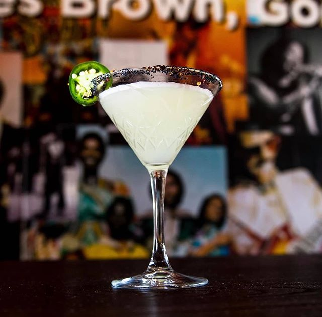 TOO HOT TA TROT  Tequila, Cointreau, infused jalapeños, lemon & lime juice  Ready to warm up your weekend 😋  Book here https://www.themeatingground.com/booking