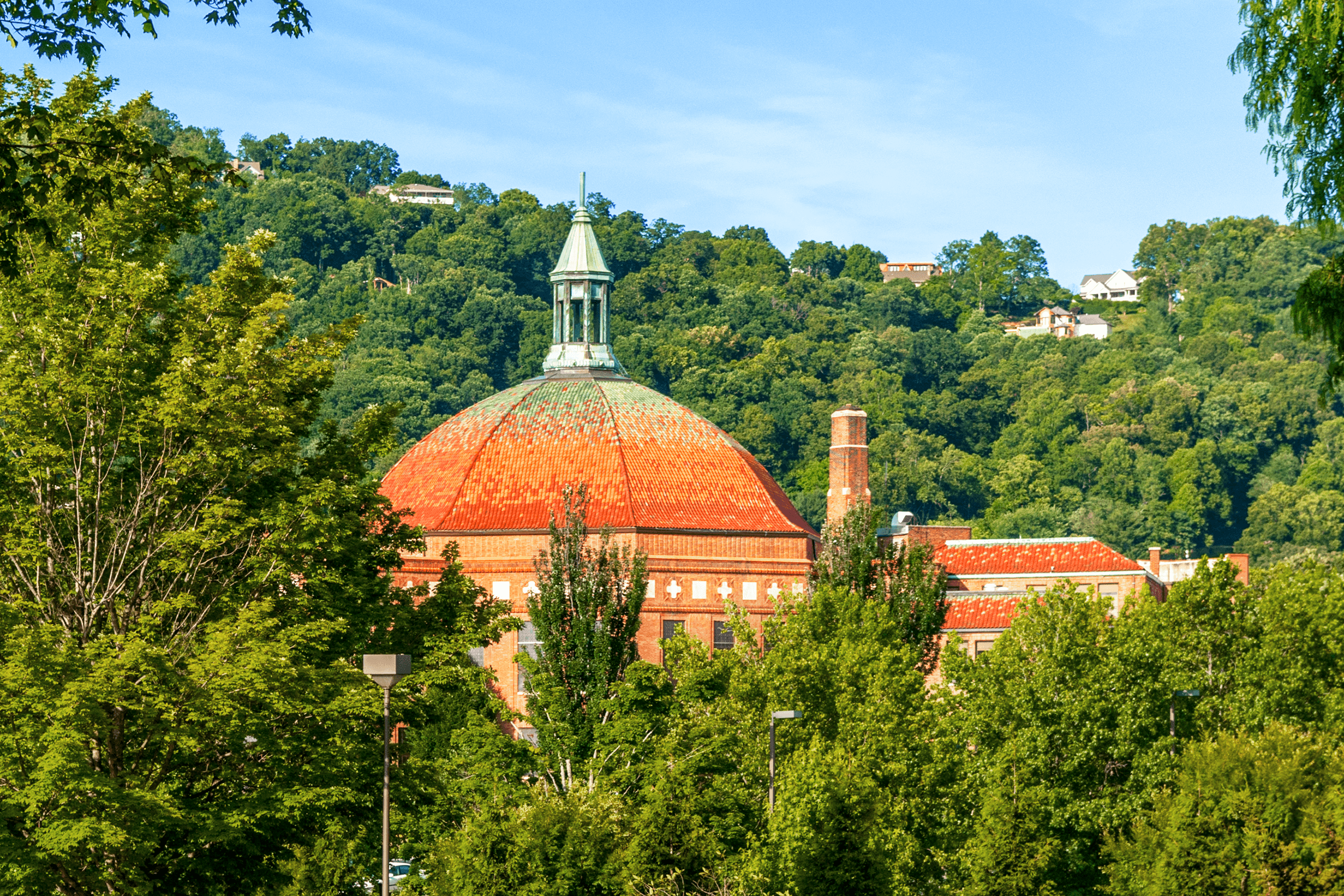 After Douglas Ellington's arrival in Asheville in 1925, the  First Baptist Church  was one of his first commissions. It is said that Douglas Ellington was inspired by the design of the famous cathedral and dome of  Santa Maria del Fiore  in Florence, Italy.