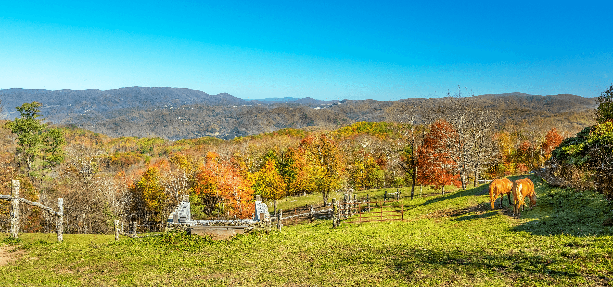 When the weather is sunny, you can also enjoy picturesque long range hilltop views from an altitude of 3,757 feet (1,145 meters) on the top of  Valle Mountain .