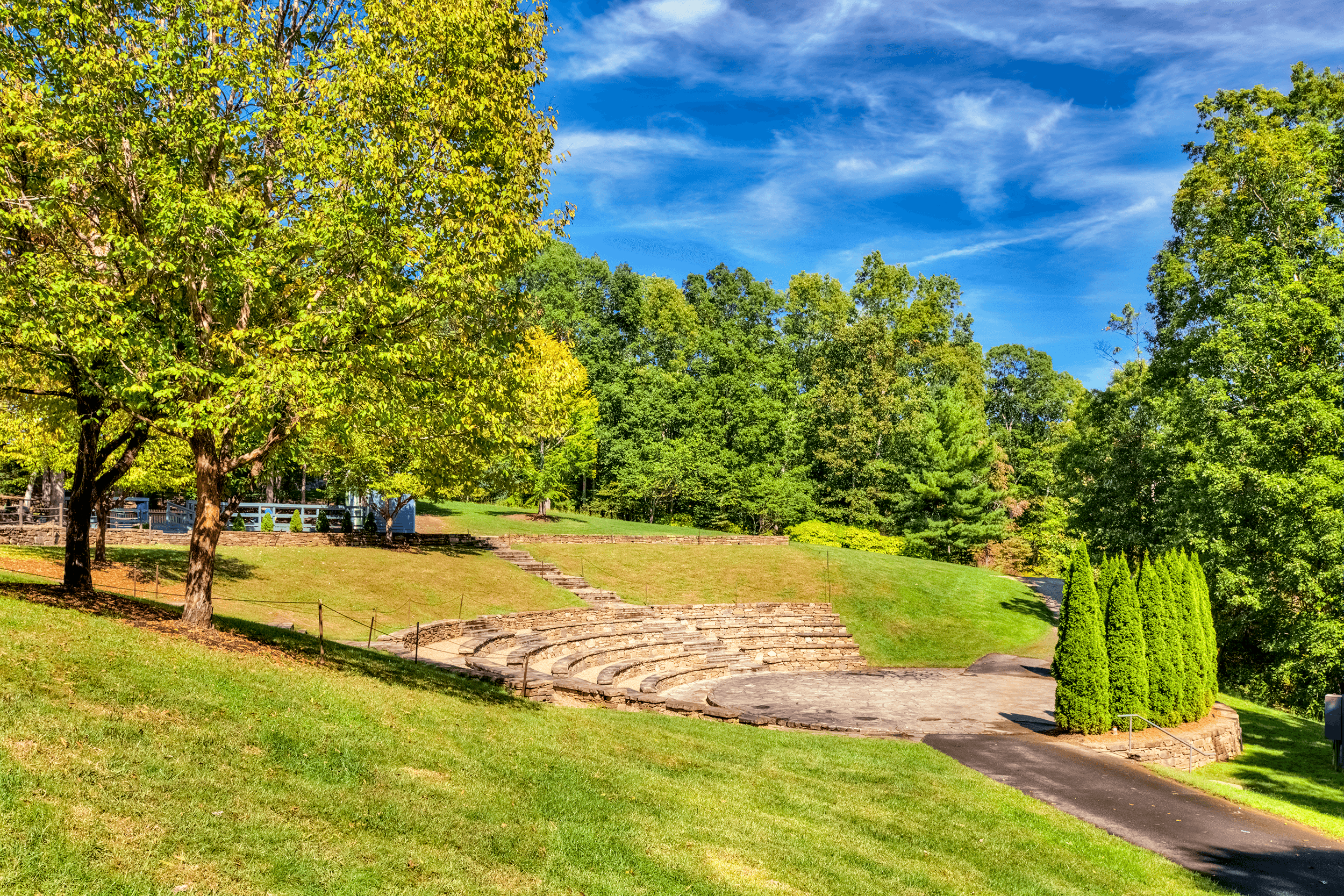 The  Outdoor Event Center  is an amphitheater, which is used for lectures, performances, and cultural events.