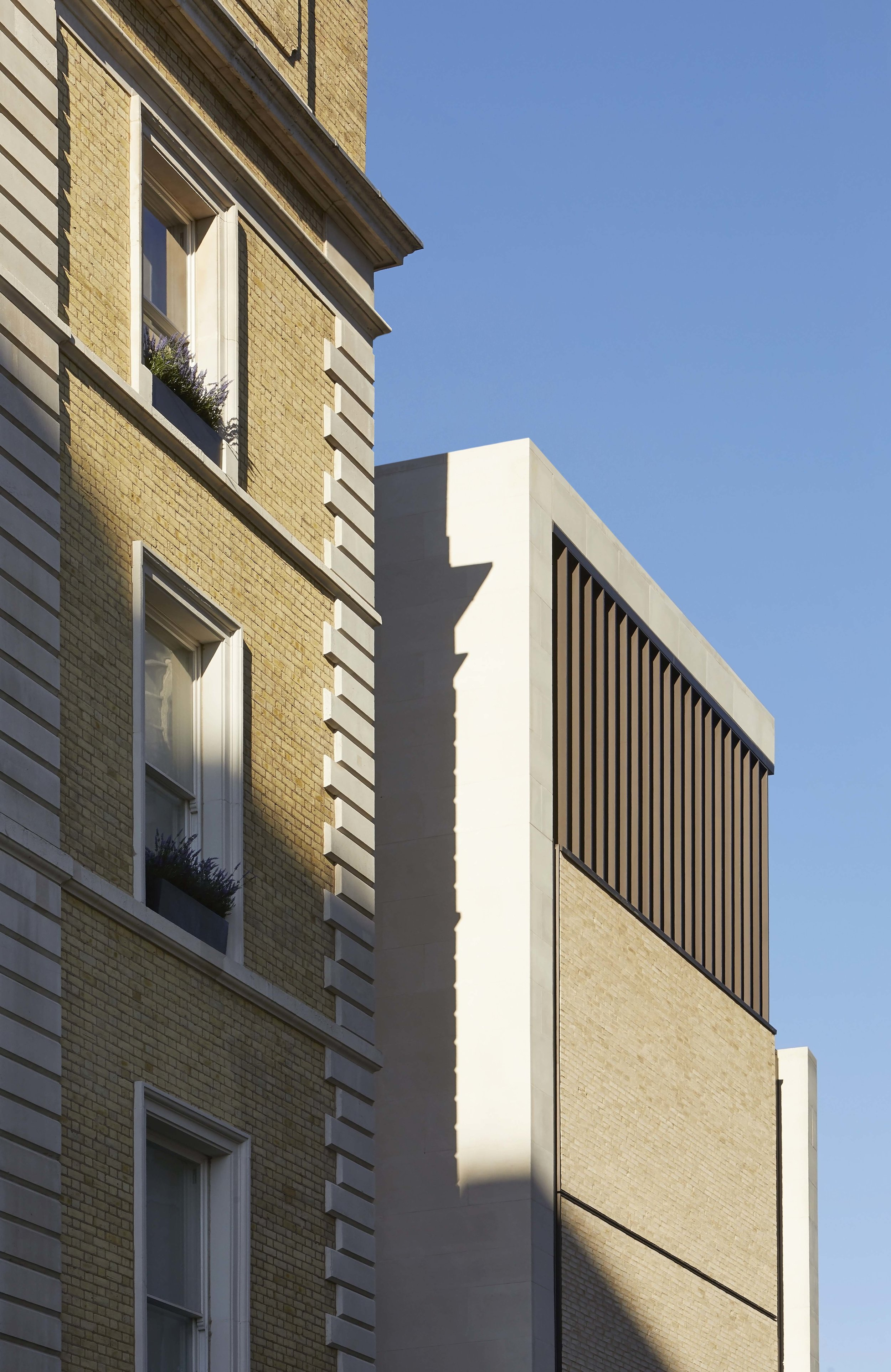 Flanagan Lawrence_Grosvenor Crescent_London_©Hufton+Crow_004.jpg