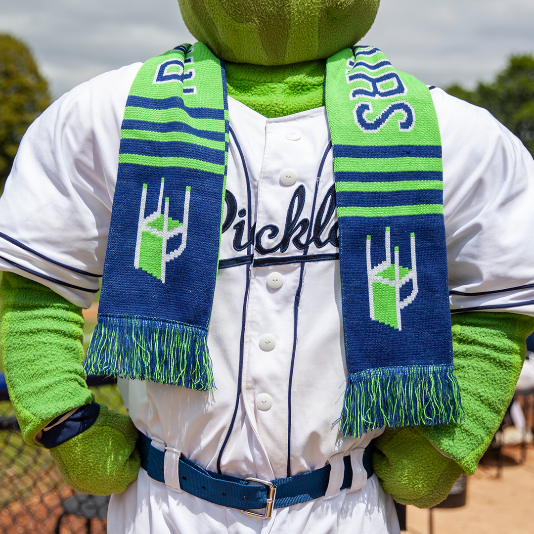2019_0711_Pickles_SoccerScarf_IG_Feed.jpg