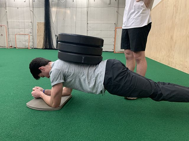 How many plates can you stack? 👏🏻 . . . . . . #boostsportsperformance #boostnation #coachmurph #sportsperformance #sportstraining #strengthtraining #conditioning #strengthandconditioning #springsports #cohasset #hingham #norwell #scituate #hull #rockland #hanover #plymouth #duxbury #kingston #weymouth #pembroke #southshorema #football #soccer #baseball #golf #rugby #basketball #hockey #workhardplayhard