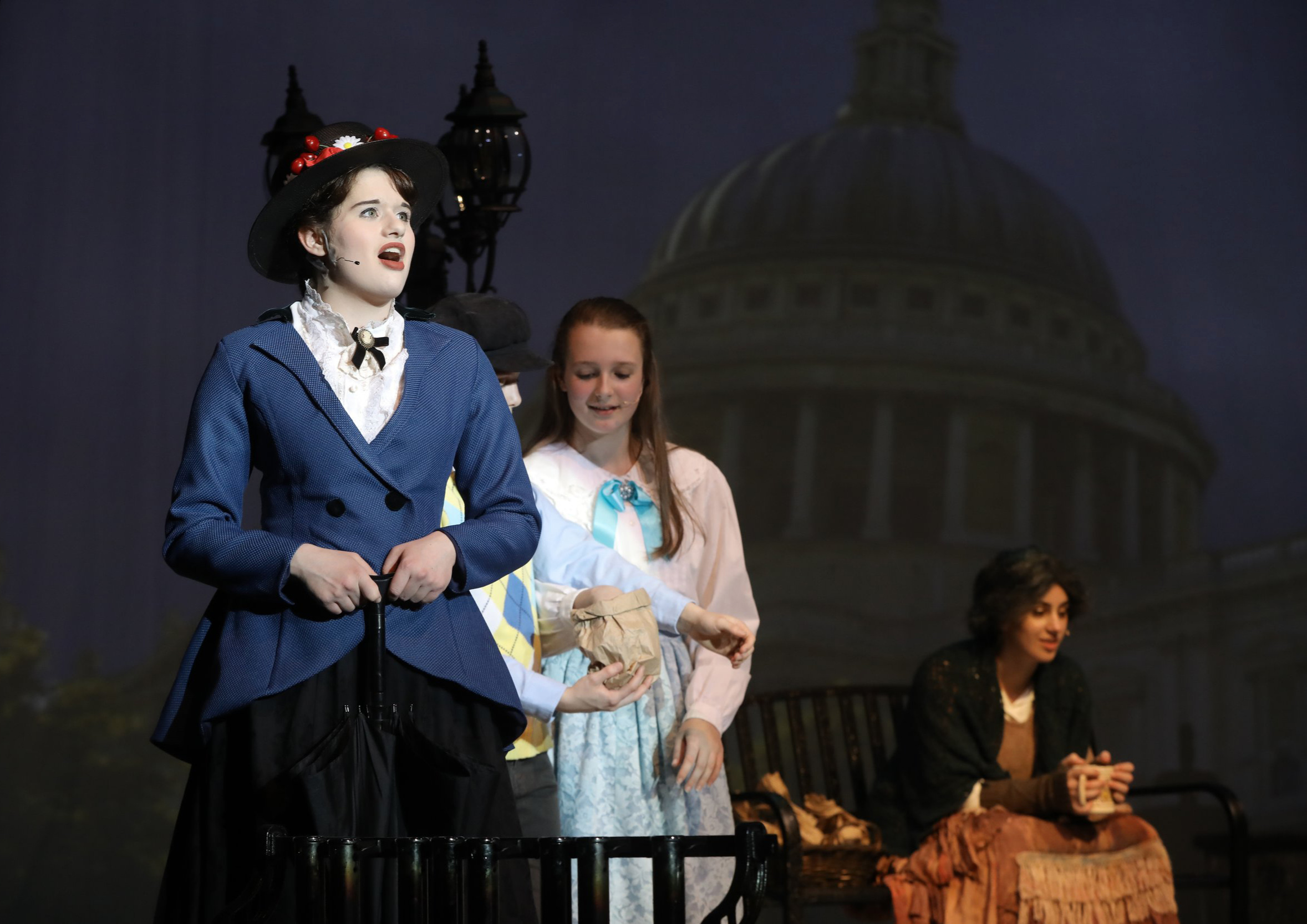 Arella Flur '19 in  Mary Poppins