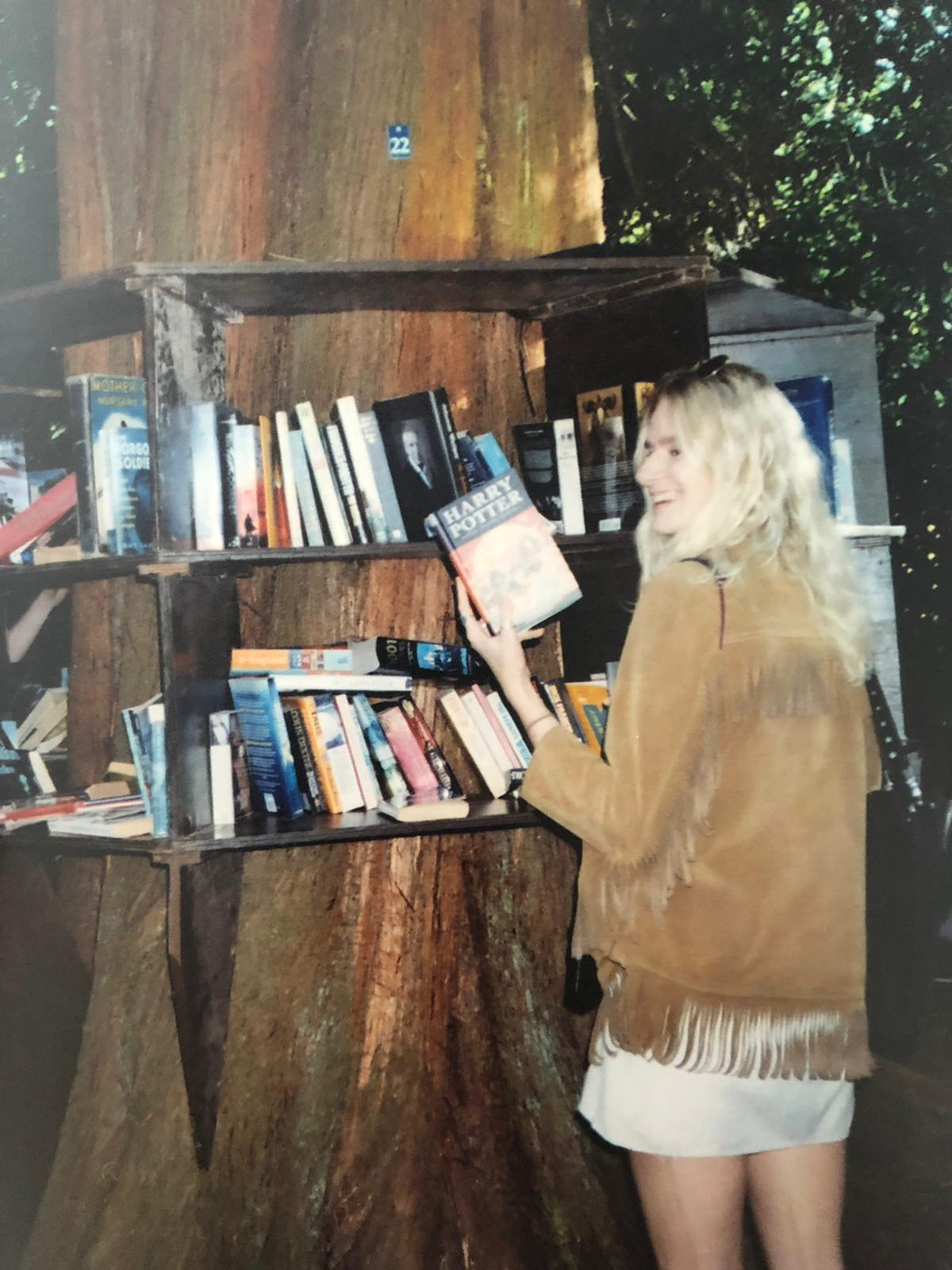 SO chuffed to find a tree in the woods that doubled up as a library, also chuffed to find Harry Potter.